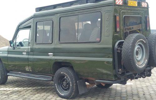 Extended Safari Land Cruiser